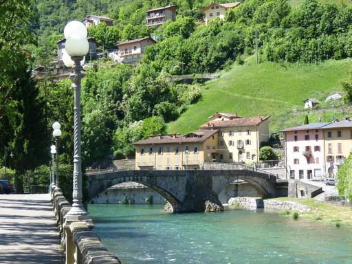 Punti d'interesse Val Brembana-paesaggio circostante Ponte Vecchio