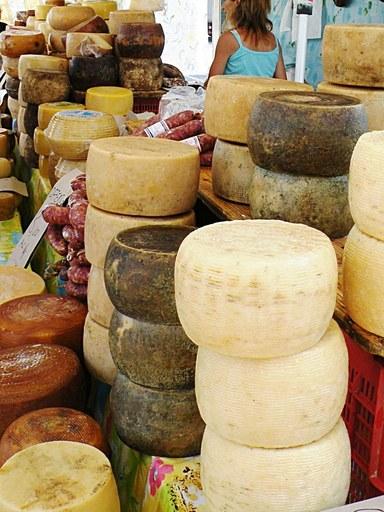 Strutture per shopping Val Brembana-formaggi