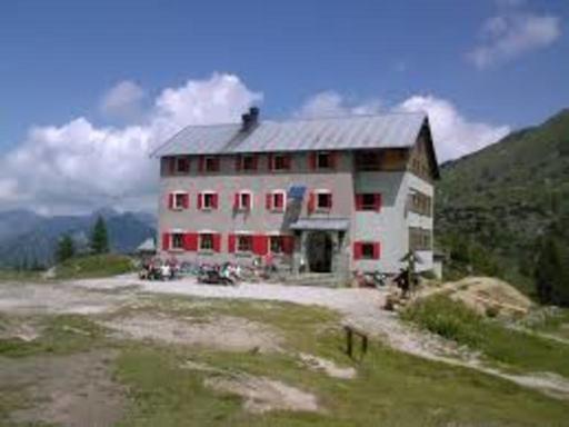 Itinerari Val Brembana - Rifugio Laghi Gemelli